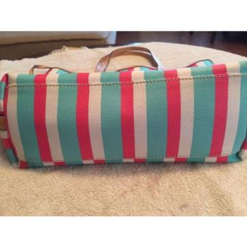 Guess Large Striped Vinyl Tote Beach Bag Travel Weekender With Cosmetic Bag