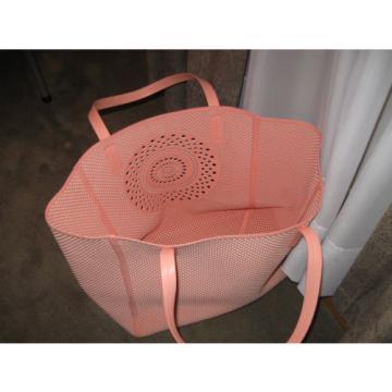 Merona laser cut large beach shoulder bag tote in Peach