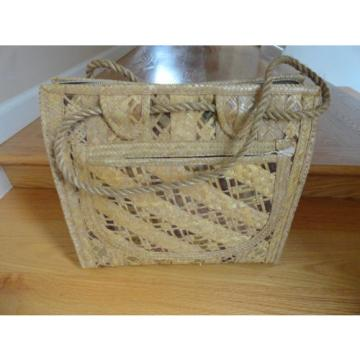 VINTAGE WOVEN WICKER RATTAN STRAW TOTE PURSE BAG BEACH