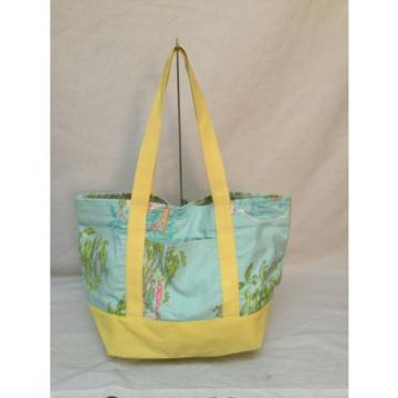 NWOT  LILLY PULITZER BABY BLUE/ YELLOW BEACH BAG WITH BEACH DESIGNS